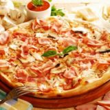 prosciutto-funghi-pizza